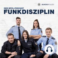 Episode 1: Dienstbeginn: - hör mal wer da podcastet