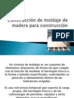 Construcción de moldaje de madera para construcción