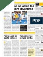 Maradona se calza los cortos para divertirse - diario Clarín, Buenos Aires, Argentina - Por Julio Coronel