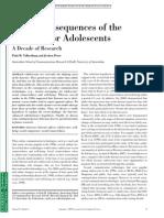 (Articulo en Ingles) Valkenburg, P. M. y Peter, J. (2009). Consecuencias Sociales de La Internet Para Los Adolescentes