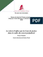 Le relevé d'office par la Cour de justice dans le cadre du renvoi préjudiciel.pdf