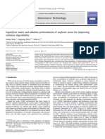 Liquid hot water and alkaline pretreatment of soybean straw for improving.pdf