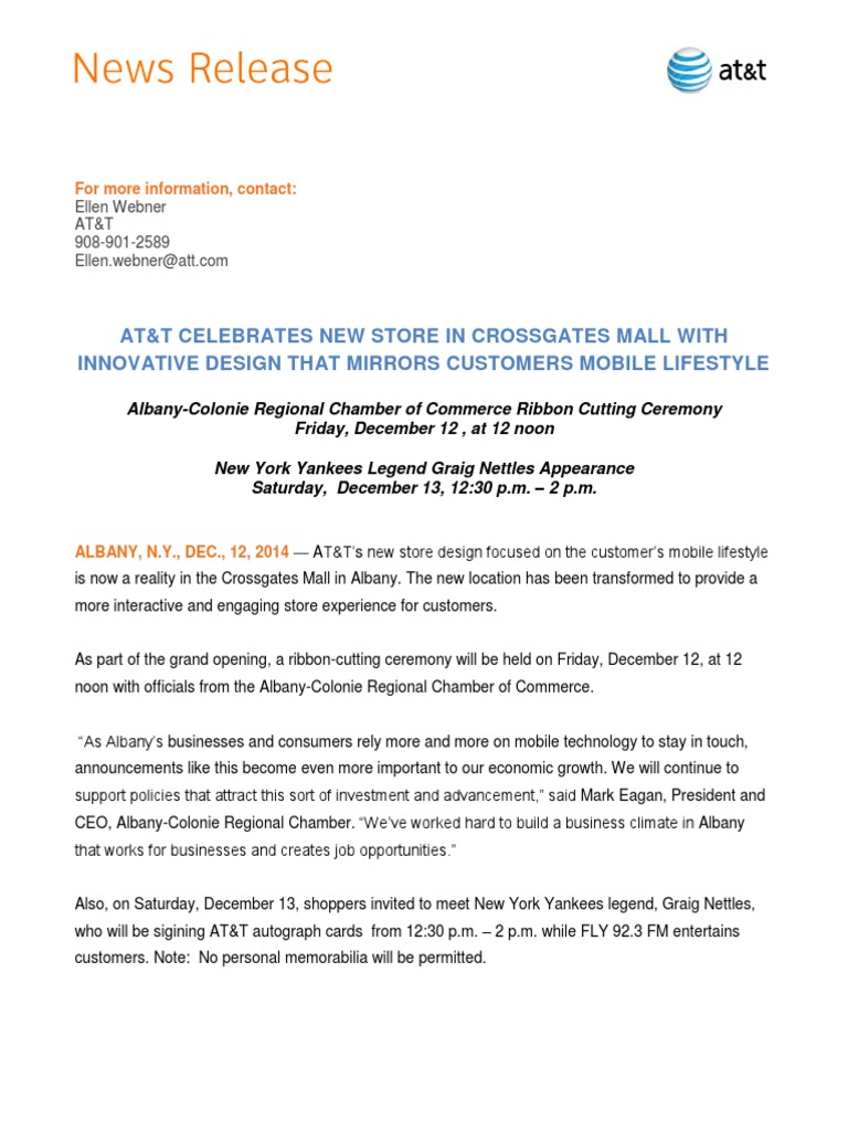 AT&T Celebrates New Store in Cross Gates Mall with NY Yankees Legend
