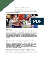 Apresentação Dos Alimentos Aos Bebês Da Creche