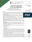 Success_factors_in..._-_artigo_-_2013.pdf