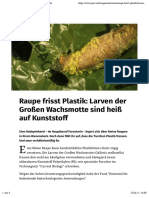 Kleine Raupe Nimmersatt mit Appetit auf Plastik