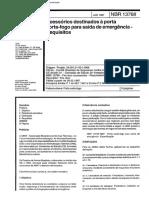 NBR 13768 - 1997 - Porta Corta-Fogo de Emergência.pdf