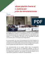 Jueces realizan plantón frente al Palacio de Justicia por homologación de remuneraciones