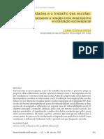 ALMEIDA, Luana Costa (2017). As desigualdades e o trabalho das escolas problematizando a relação entre desempenho e localização socioespacial