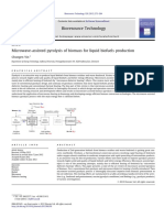 Microwave assited pyrolysis of  biomass for liquid biofuels production.pdf