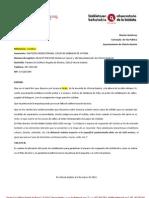 Peligro por poste y alcantarilla en Avenida Gasteiz (12/2011)