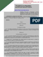 Decreto 825