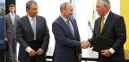 Tillerson's Moscow Ties Chill Kremlin Critics' Hopes