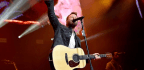Dierks Bentley Heads Back To 'The Mountain'