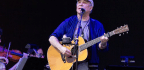 Paul Simon Is Not Playing Like A Man About To Hang It Up