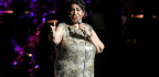 Aretha Franklin 'Gravely Ill' And Surrounded By Loved Ones