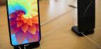 APPLE'S 4Q, CHANGE IN iPHONE SALES DISCLOSURE JAR INVESTORS