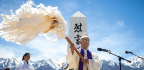 Manzanar Pilgrimage Takes On Broad Themes Of Democracy, Civil Rights
